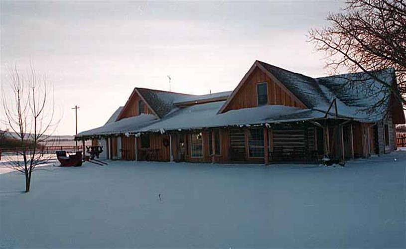 winter scene at the Inn Dupuyer