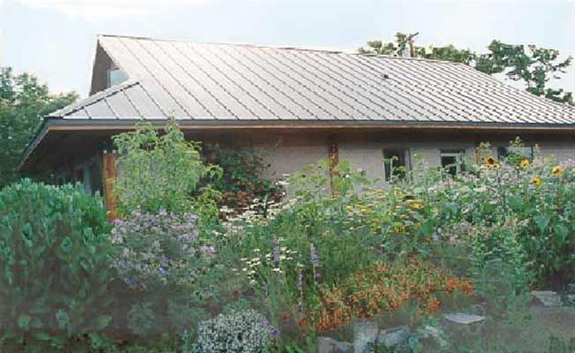 house w/flowers
