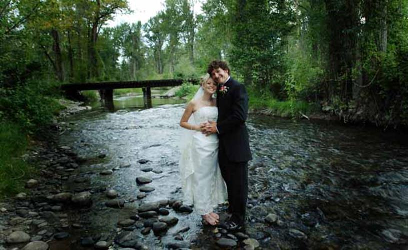 wedding couple in the river
