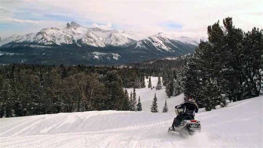 snowmobiling vistas