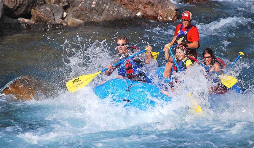 Whitewater fun with Montana Raft!