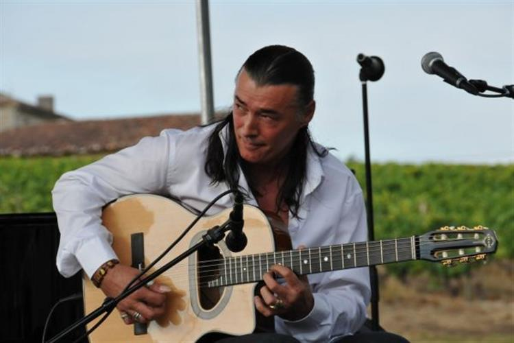 Lulo Reinhardt is one of the International Guitar Night guitarists