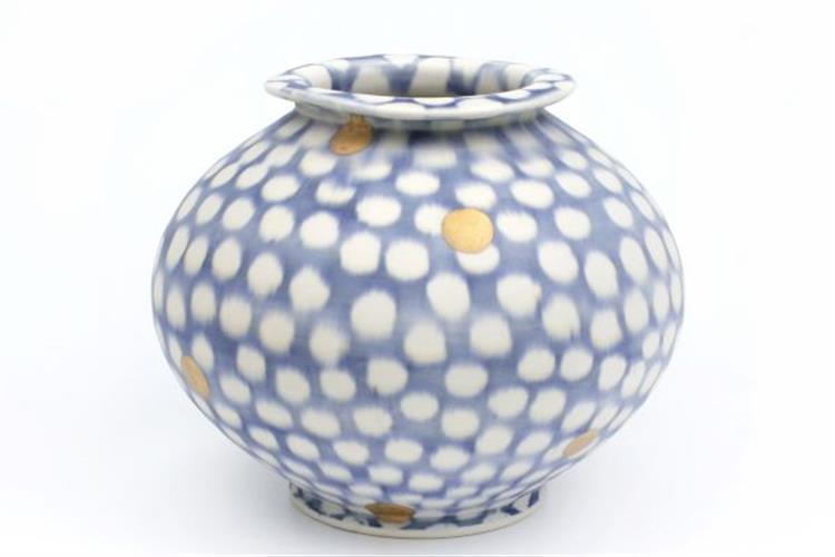 Sean O'Connell, Porcelain jar, Wheel-thrown, underglaze, glaze, sand-blasted, lustre, 2018